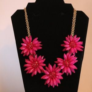 Pink Floral Necklace 🌸🌺